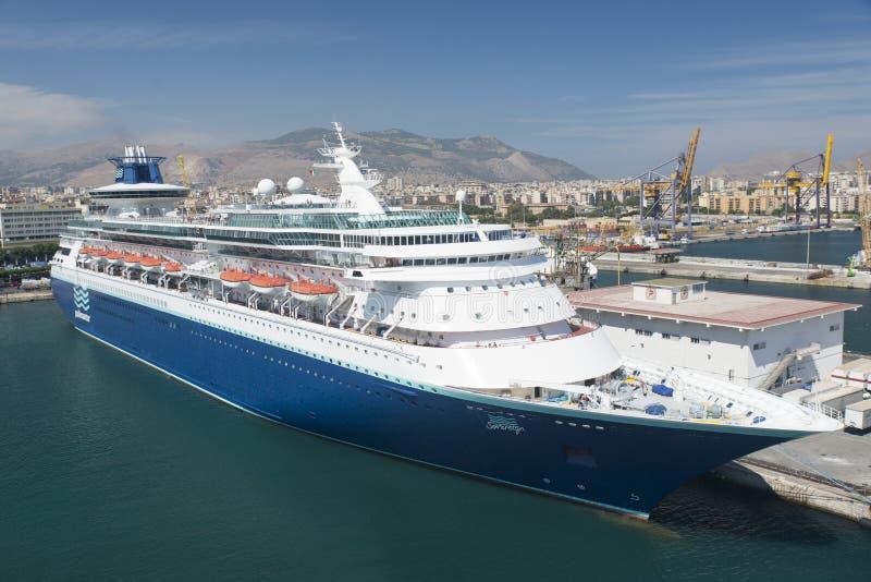 Туристическое судно Sovereign Pullmantur стоковое фото