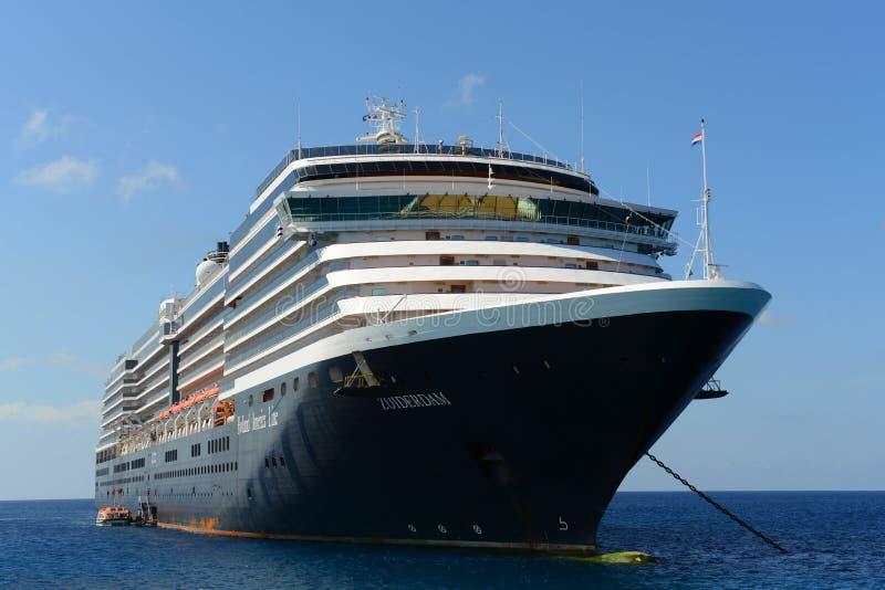 Туристическое судно Zuiderdam в Каймановых островах стоковые фото