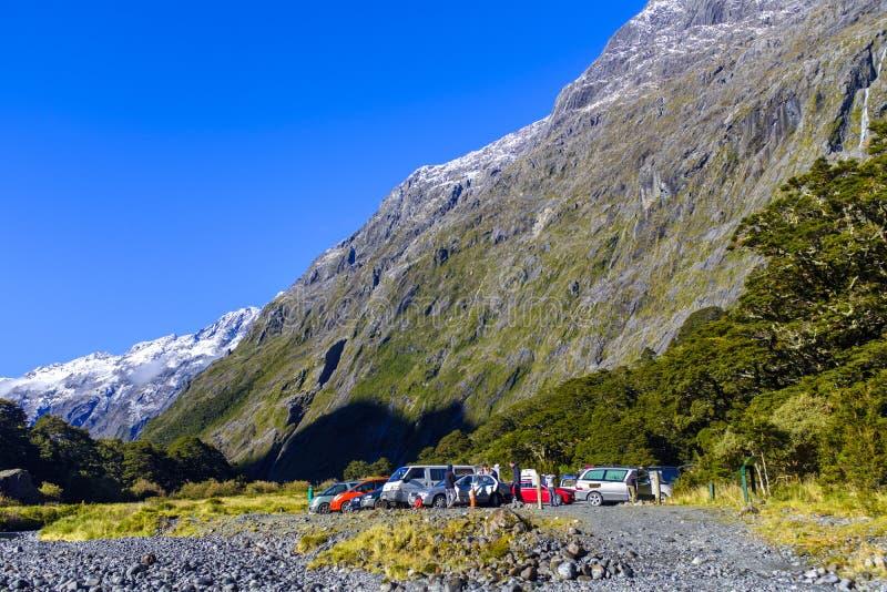 Туристская парковка в долине стоковое фото