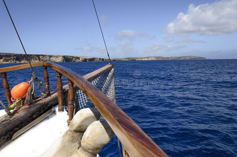 Туристский корабль на круизе стоковая фотография rf