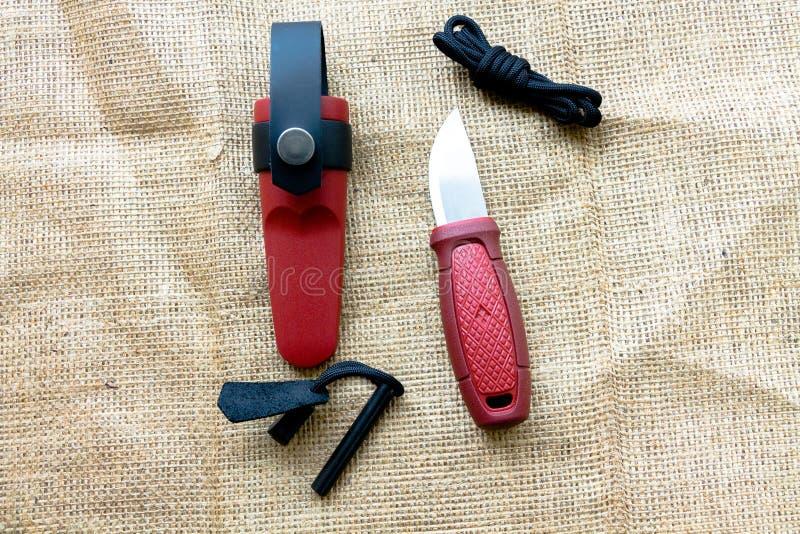 Туристский нож с огнивом стоковые изображения