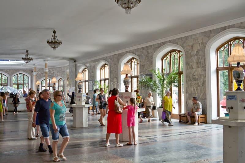 Картинки по запросу туристы в Кисловодске