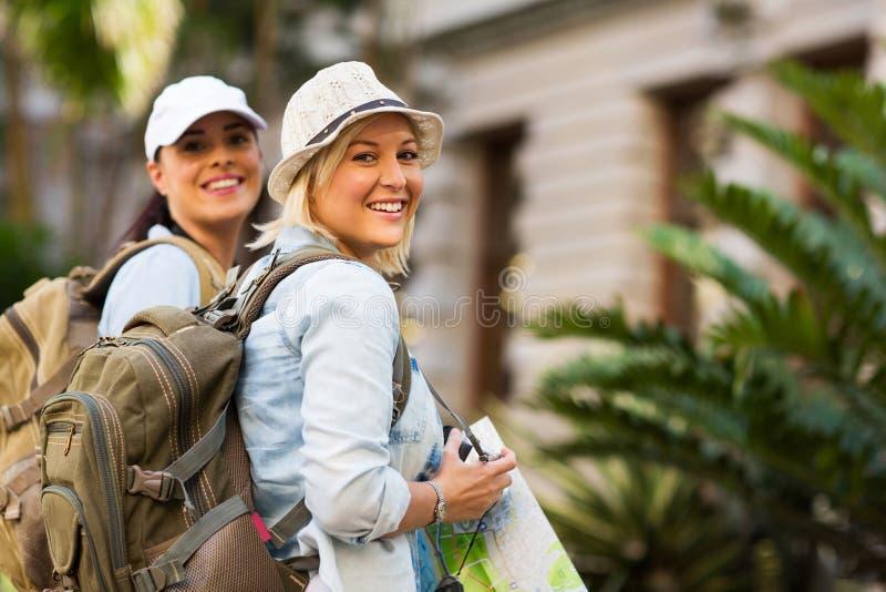 туристы молодые стоковая фотография rf