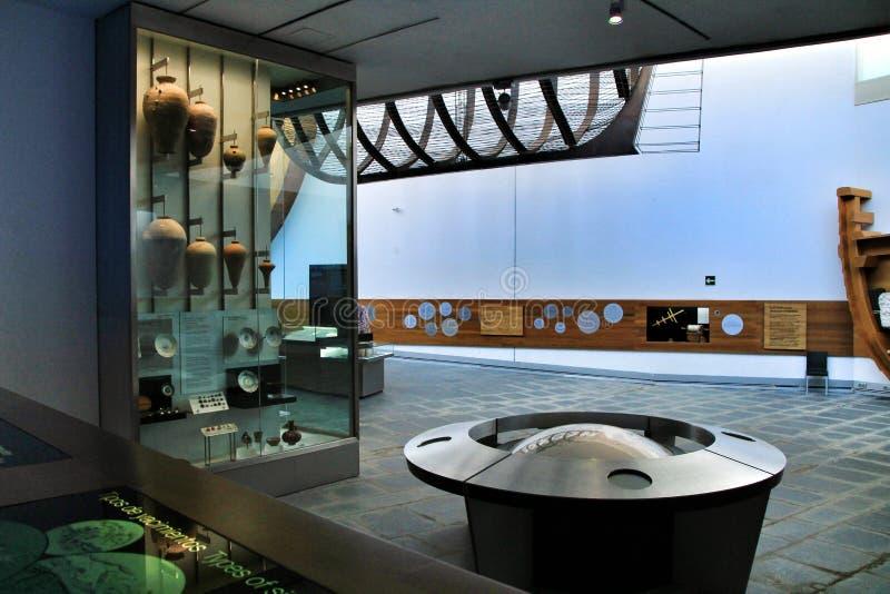 Туристы посещая подводный музей Cartagena стоковое фото