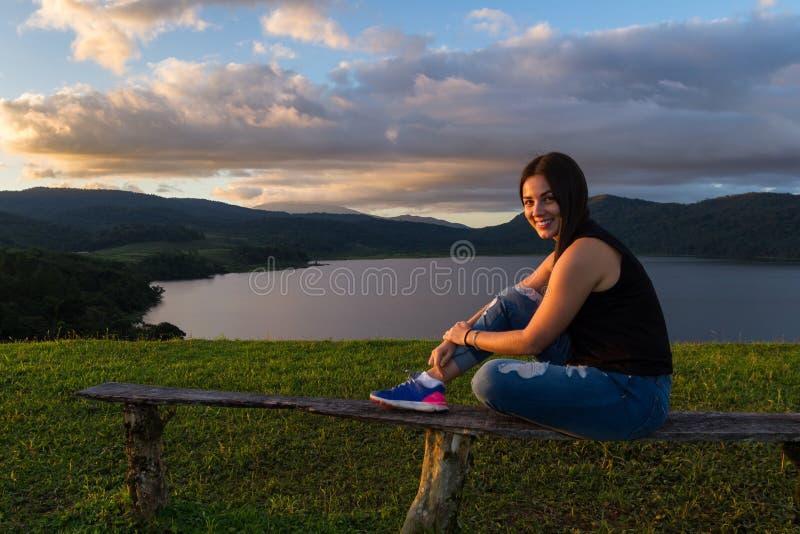 Турист на озере Коут стоковые изображения rf