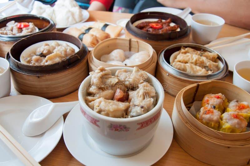 Тусклая сумма еда Китайск-стиля Популярное блюдо, который будет есть в утре стоковое изображение