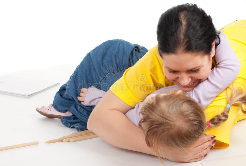 тучная девушка ее маленькая мать стоковое фото