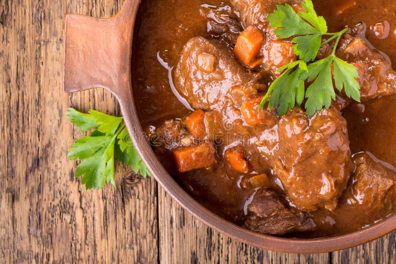 Тушёное мясо говядины с морковью стоковая фотография rf