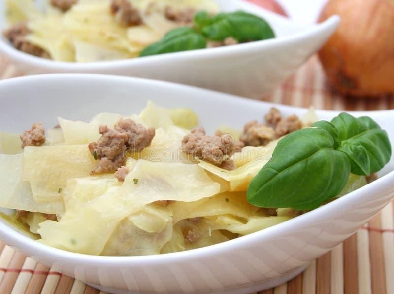Тушёное мясо капусты и мяса стоковые фотографии rf