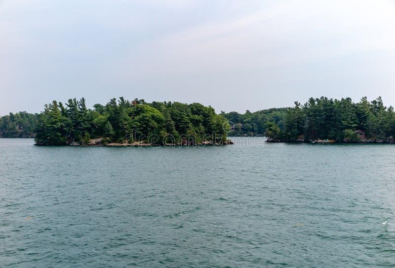 Тысяча островов около Кингстона Онтарио стоковые изображения