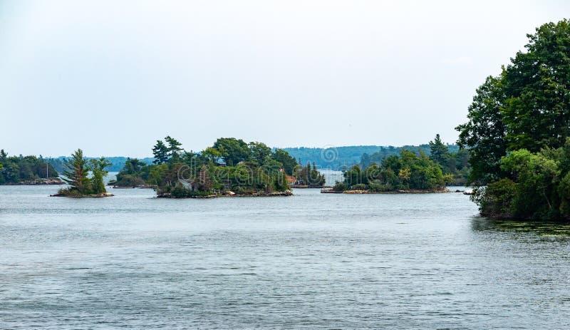 Тысяча островов около Кингстона Онтарио стоковые фотографии rf