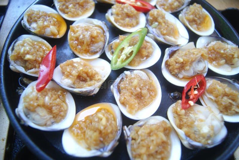 тюкуйте высушенное вкусное - изолированная плодоовощ белизна тройника продуктов моря стоковые изображения