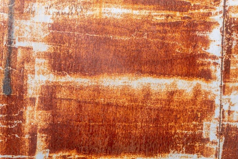 Тяжело рифленая рыжеватая металлопластинчатая текстура стоковая фотография