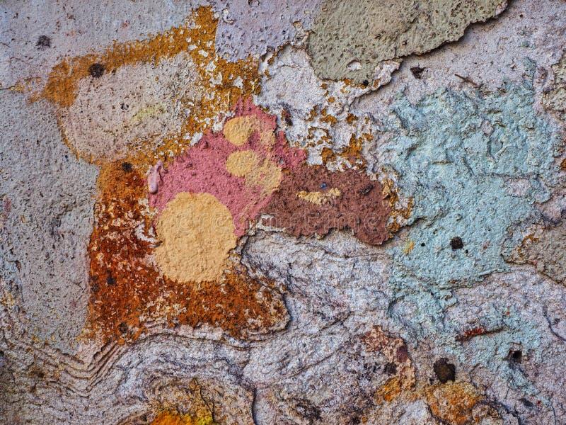 Тяжело текстурированный красочный дом представляет деталь стоковые фото