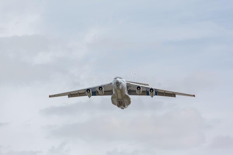 Тяжелое воздушное судно перехода принимает  стоковые изображения