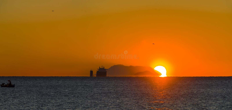 Тяжелый грузовой корабль подъема стоковое фото