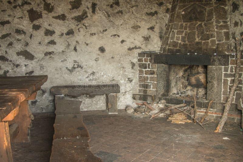 Убежище на вулкане Этна в Сицилии стоковое фото rf