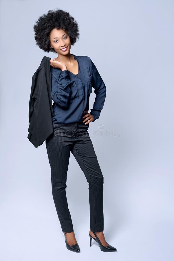 Уверенно бизнес-леди чёрного африканца стоковые фотографии rf