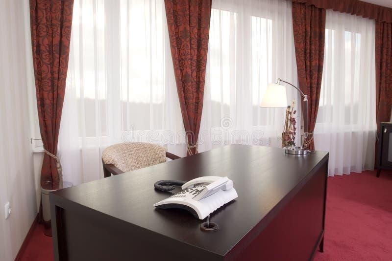угловойой офис стола стоковое фото