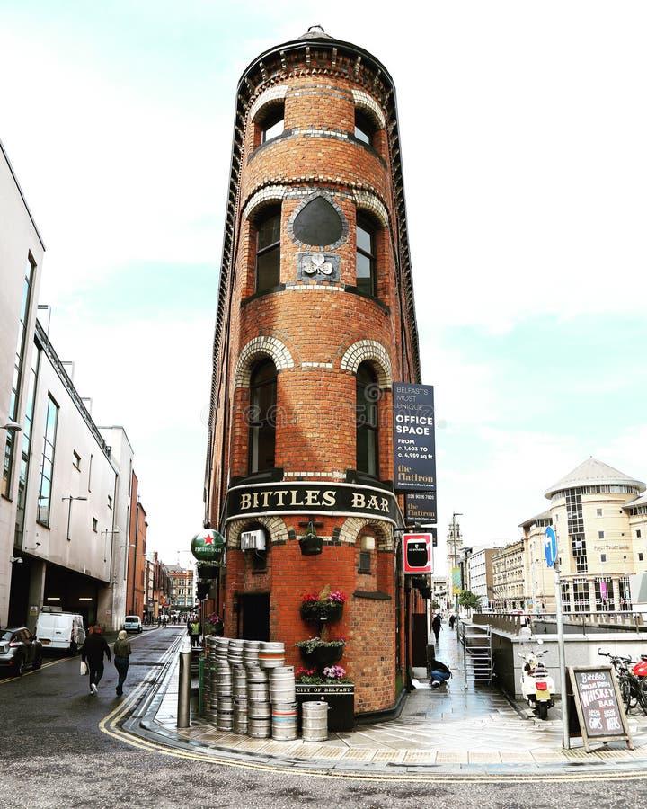 Угловой бар в Белфасте стоковая фотография