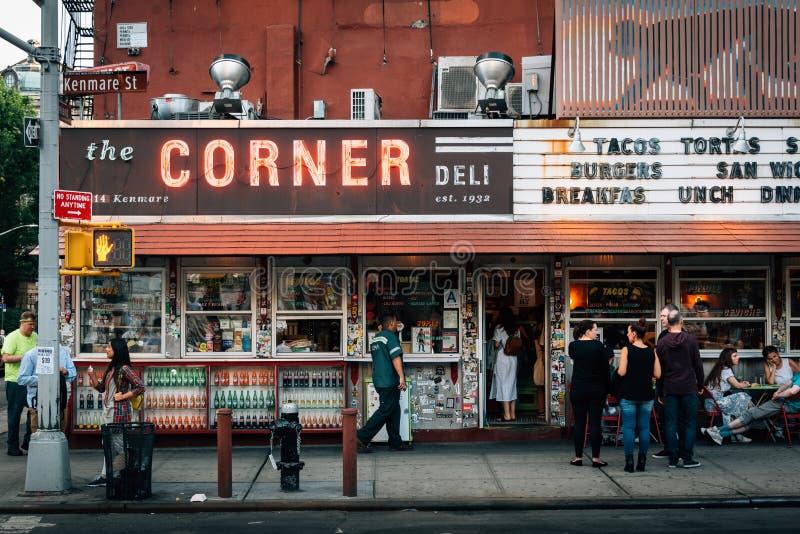 Угловой гастроном, в SoHo, Манхэттен, Нью-Йорк стоковое изображение