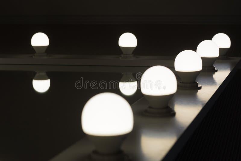 Угловые зеркала шатона с backlighting лампами СИД стоковые фотографии rf