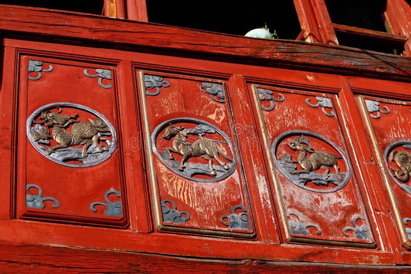 Углы старого Китая, украшения в историческом центре Xizhou, Юньнань, Китая Xizhou, Юньнань, Китай стоковая фотография