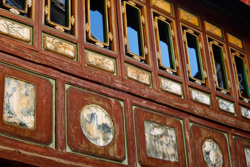 Углы старого Китая, украшения в старых домах в историческом центре Xizhou, Юньнань, Китая Xizhou, Юньнань, Китай стоковые изображения