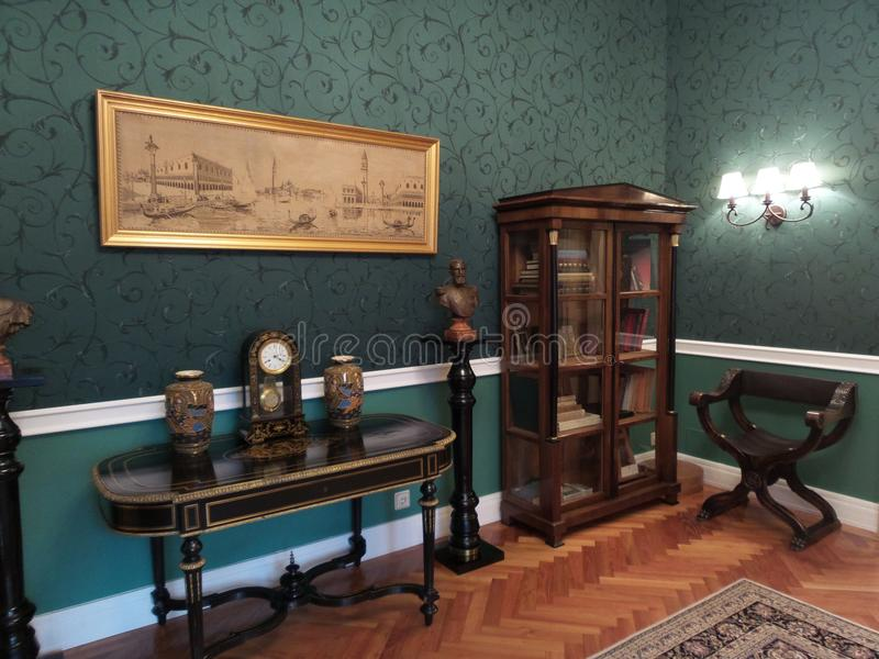 Угол в комнате в дворце Iulia Hasdeu стоковое изображение