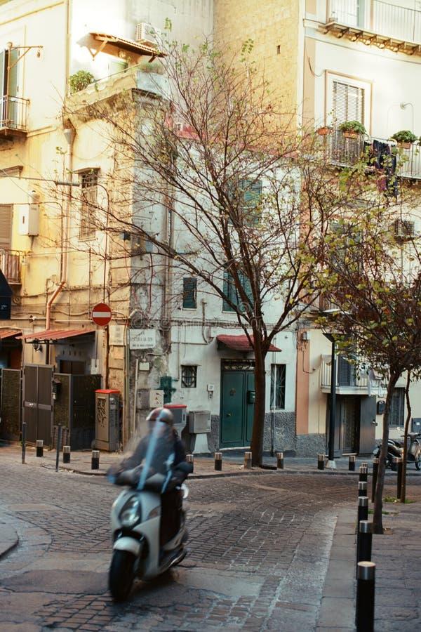 Угол улицы в Неаполь стоковая фотография rf