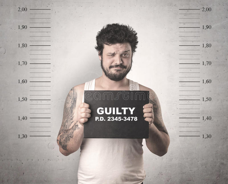 Картинка преступника с табличкой