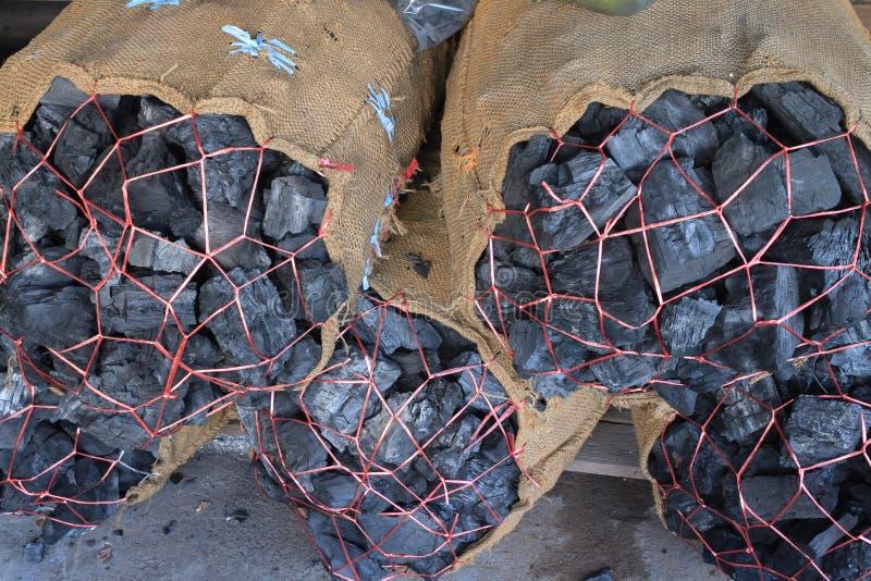 Уголь упакованный в мешках стоковое изображение rf