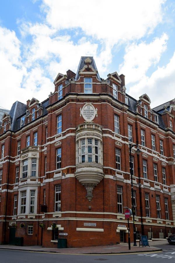 Угловой фасад больницы глаза Бирмингема и Midland стоковое изображение