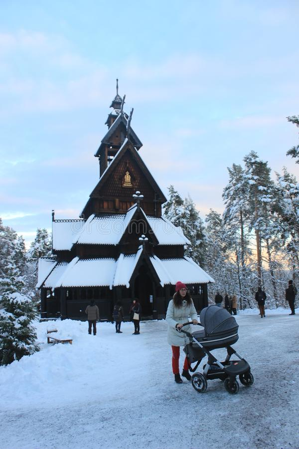 Ударяйте церковь в норвежском фольклорном музее, Осло, Норвегию стоковая фотография