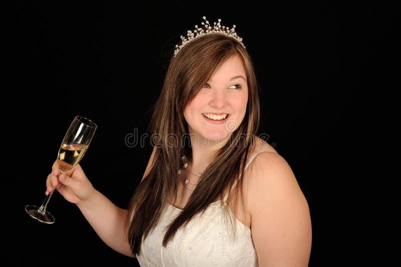 удерживание шампанского невесты стеклянное стоковые изображения rf