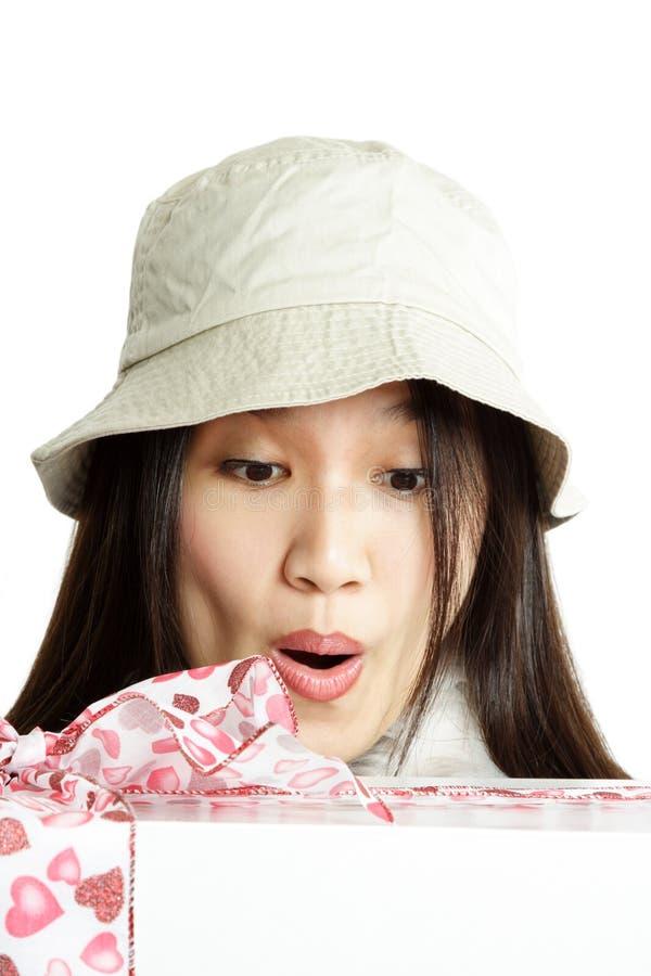 удивленная женщина стоковые фотографии rf