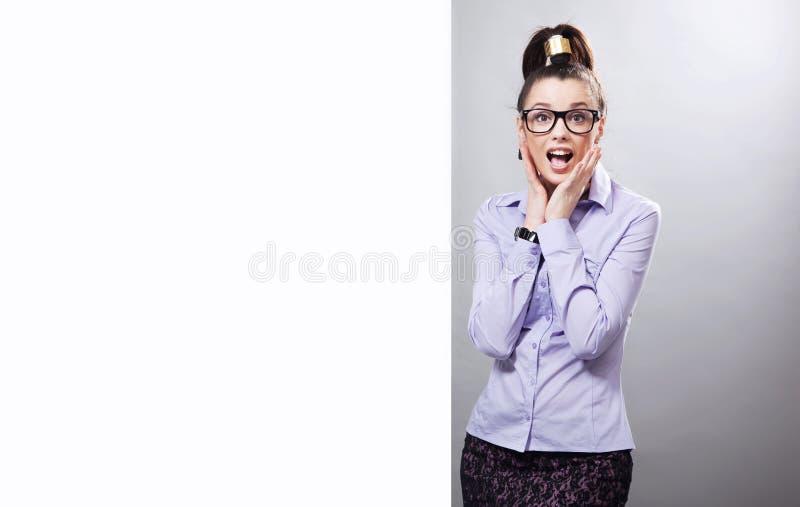 удивленная женщина стоковое изображение