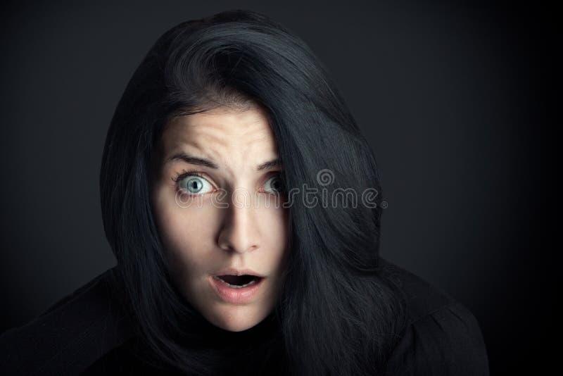 удивленная женщина стоковая фотография rf