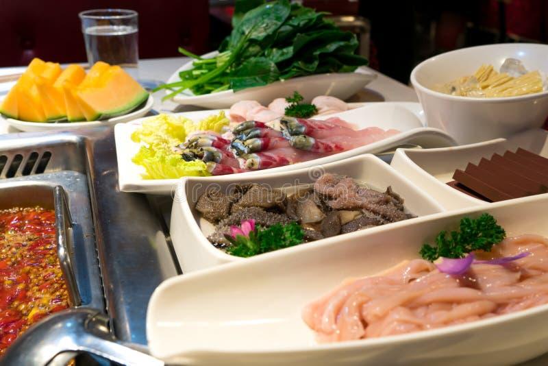 Удите, кровь утки кишечника мяса и другие с баком shabu в китайском стиле стоковое фото rf