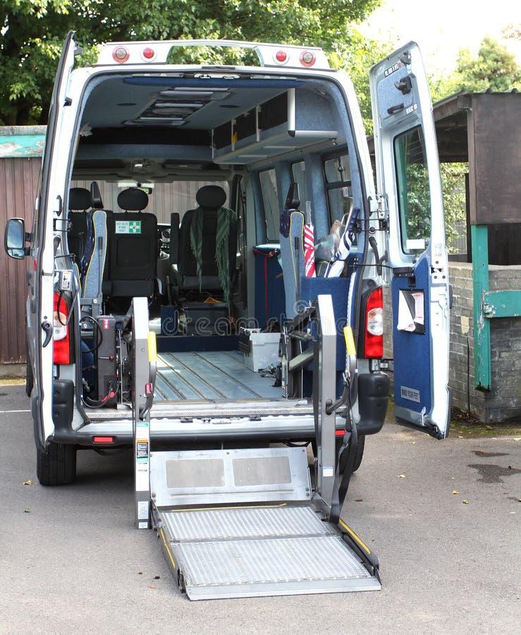 удобоподвижность выведенная из строя машиной скорой помощи стоковая фотография