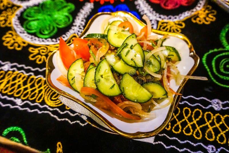 Узбекское блюдо салата стоковая фотография