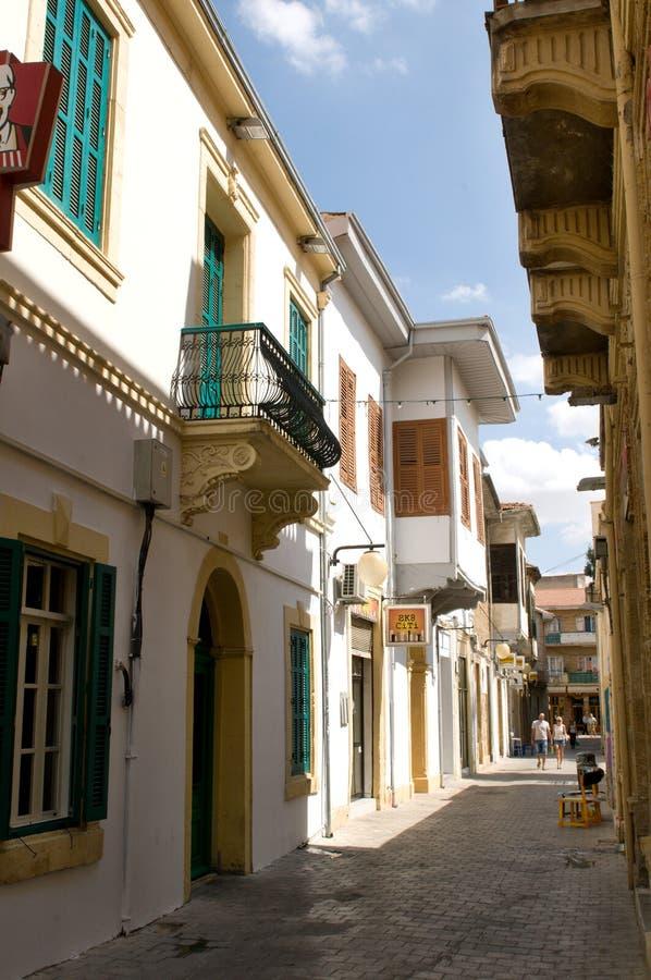 Узкая улица в Никосии, Кипре стоковая фотография
