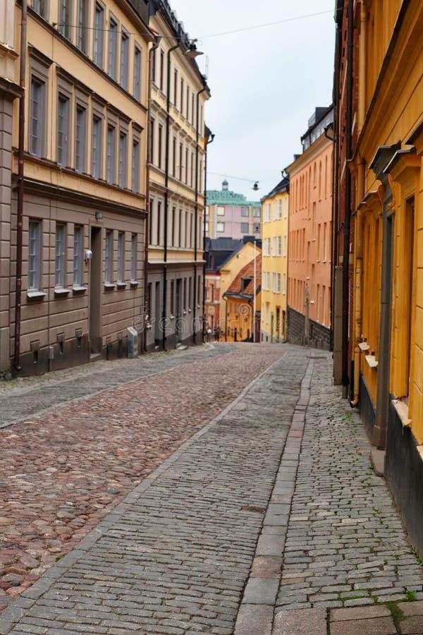 Узкая улица в старом городке Стокгольма, Швеции стоковое изображение