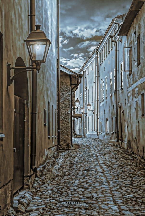 Узкие улицы старого городка в Финляндии стоковые изображения