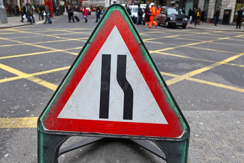 Download Узкие части дороги стоковое фото. изображение насчитывающей движение - 37930450