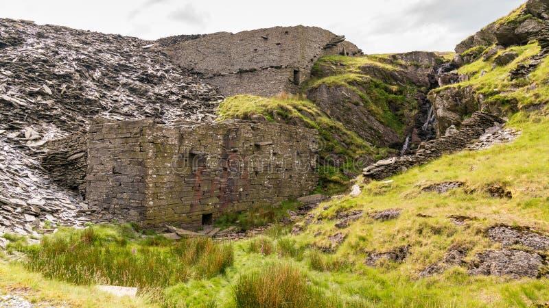 Уклон карьера к карьеру Rhosydd, Gwynedd, Уэльс, Великобритании стоковые изображения rf