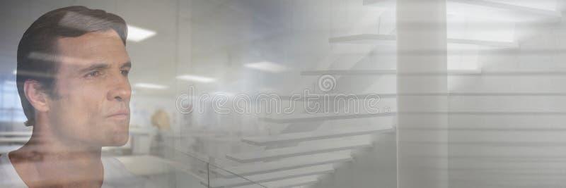 Укомплектуйте личным составом смотреть созерцательно через отражение окна работы с переходом стоковое фото rf