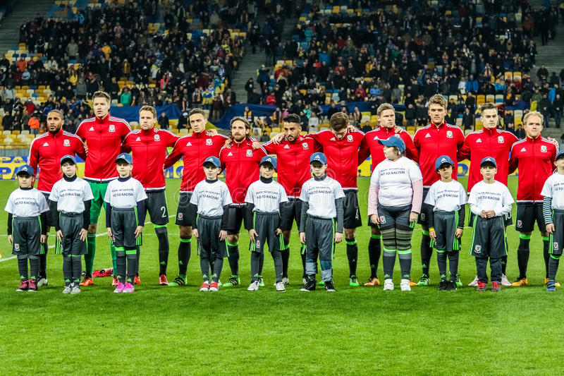 Украина против Уэльса стоковое фото