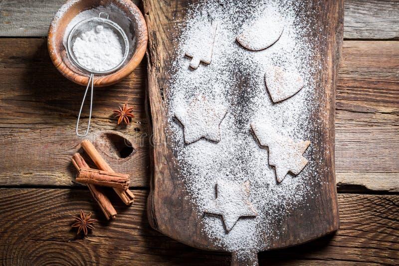Украшать с печеньями сахара замороженности для рождества стоковая фотография rf