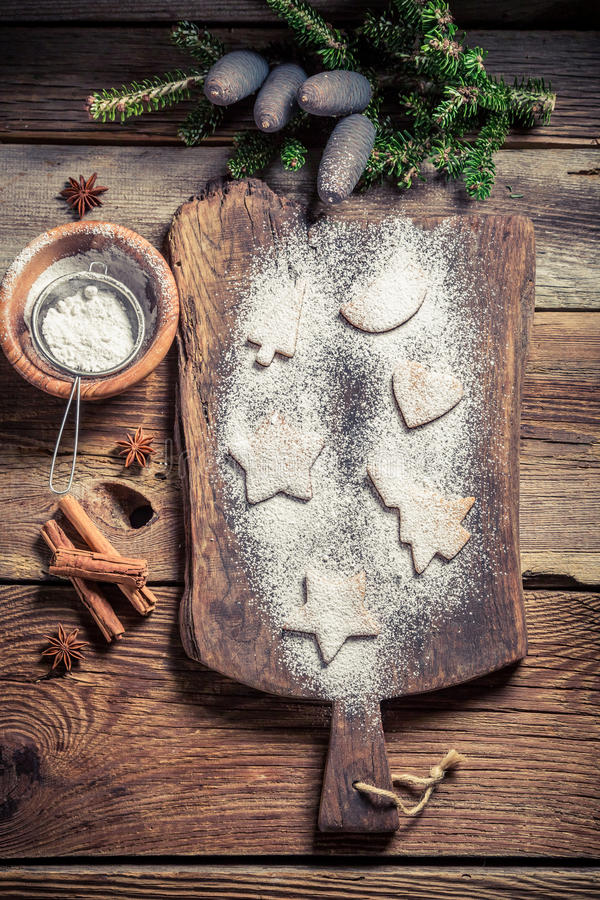 Украшать с печеньями сахара замороженности для рождества стоковые изображения